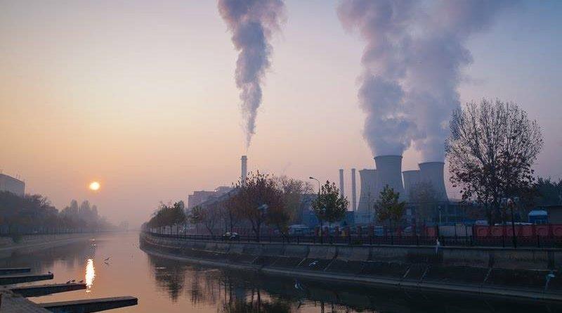 Cum polueaza dioxidul de carbon aerul?